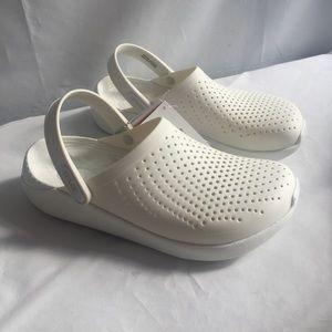 Crocs women's US 9 / men's US 7 , LiteRide white